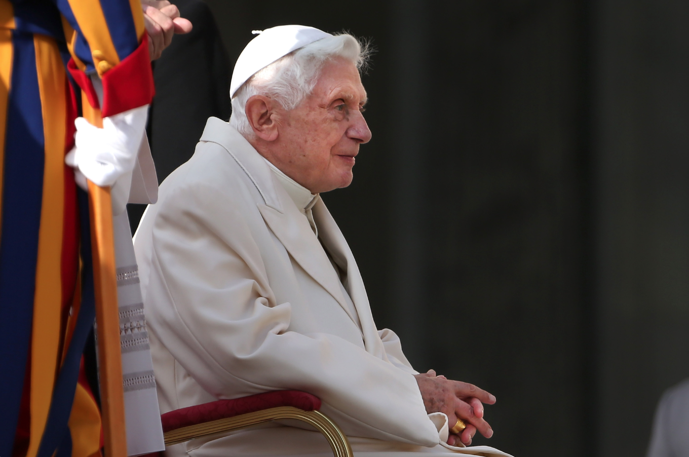 Benedict XVI 'very frail', claims biographer
